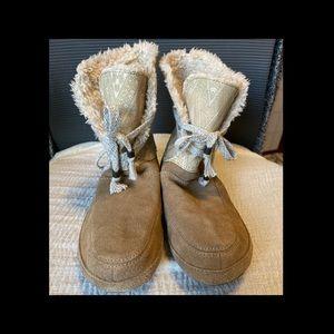 Comfy & Cute Booties - Size 8 - EUC